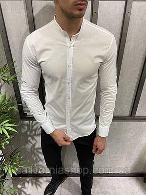Мужская белая рубашка однотонная с длинным рукавом воротник стойка