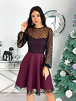 Женское красивое платье с отделкой из сетки в горошек