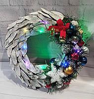 Новогодний  венок на дверь из шишек и новогодней мишуры  Ручная работа