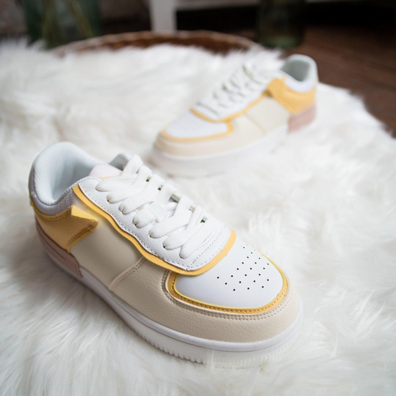 Женские кроссовки Стилли Форс (бежево-желтые)