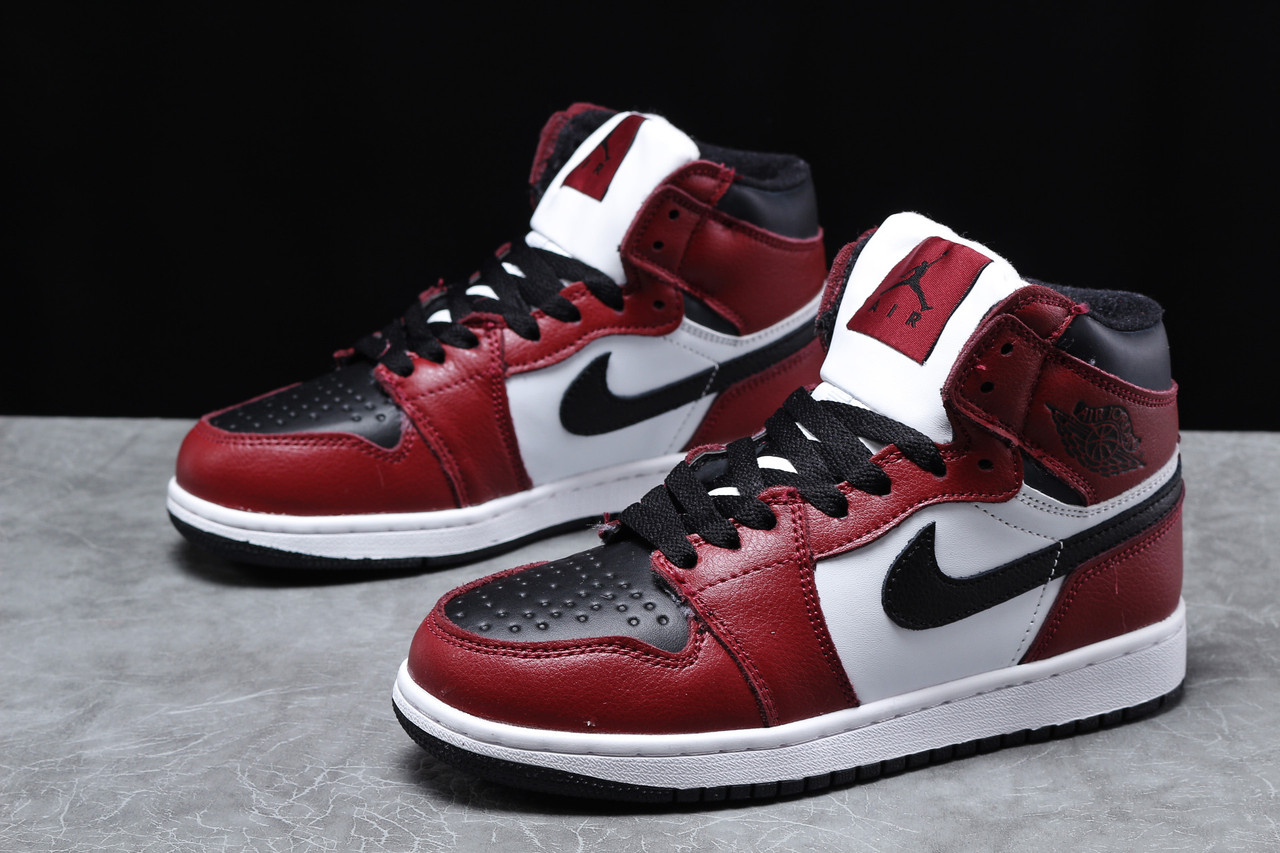 Зимние женские кроссовки Nike Air Jordan (на меху) бордовые