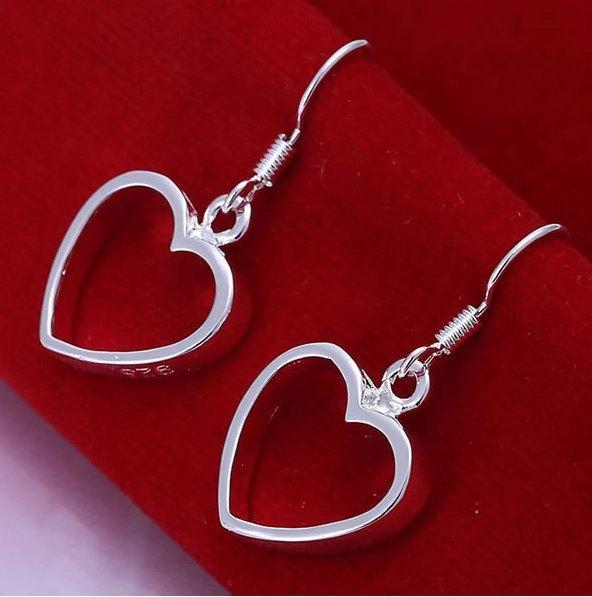 Сріблясті сережки Контур серця