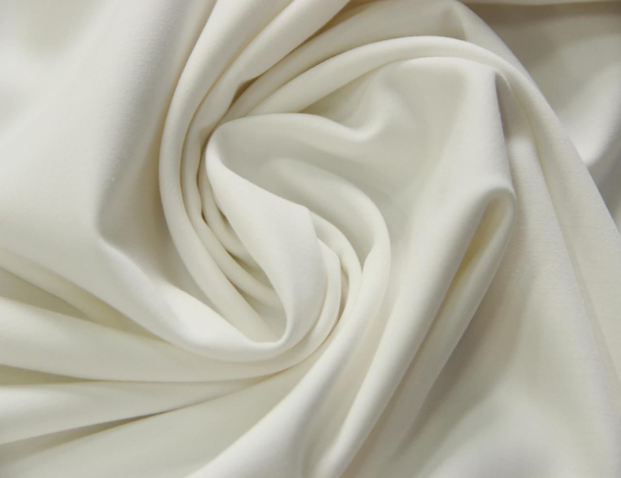 Костюмная ткань итальянская белого молочного цвета поливискоза однотонная MI 51