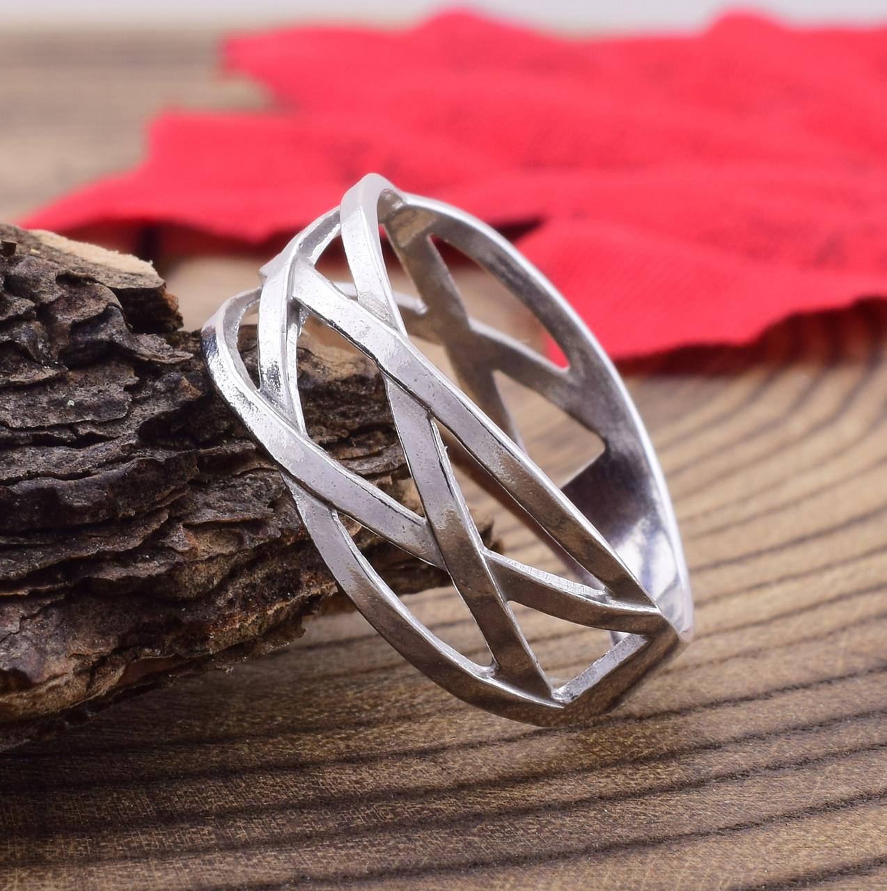 Серебряное кольцо Зигзаг удачи вес 2.3 г размер 185