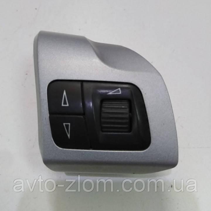 Кнопка руля правая Opel Astra H, Zafira B, Опель Астра, Зафіра. 13208859.
