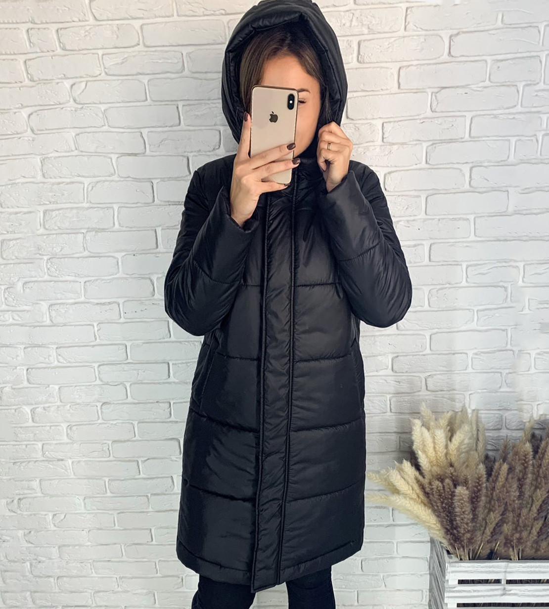 Женская чёрная зимняя куртка