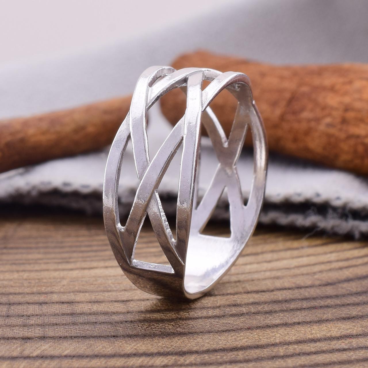 Серебряное кольцо Зигзаг удачи вес 2.3 г размер 20.5