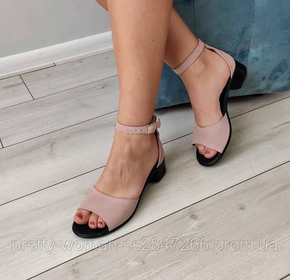 Босоніжки жіночі на каблуку натуральні замшеві пудра 38