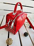 Женская кожаная сумка размером 25х19х12 см Красная (01136), фото 7
