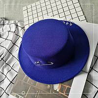 Шляпа женская фетровая канотье с металлическим декором синяя