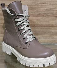 Чоботи зимові зі шкіри на платформі від виробника модель ВЛ25