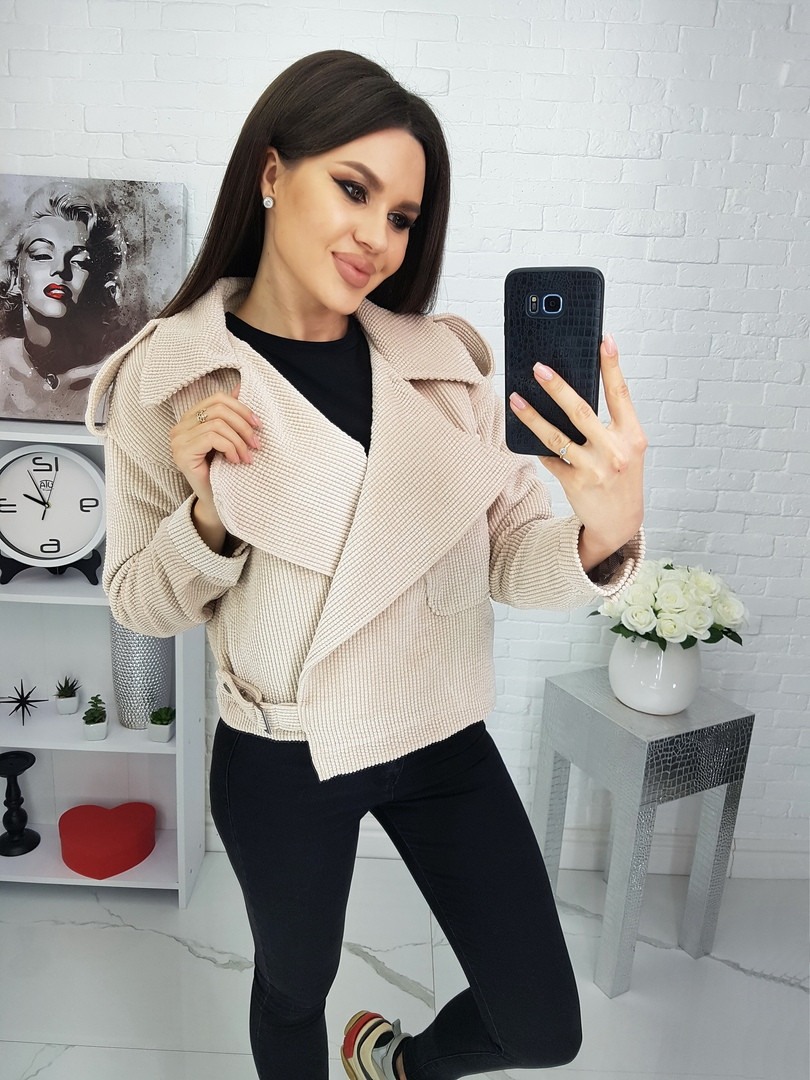 Жіноча вельветова куртка