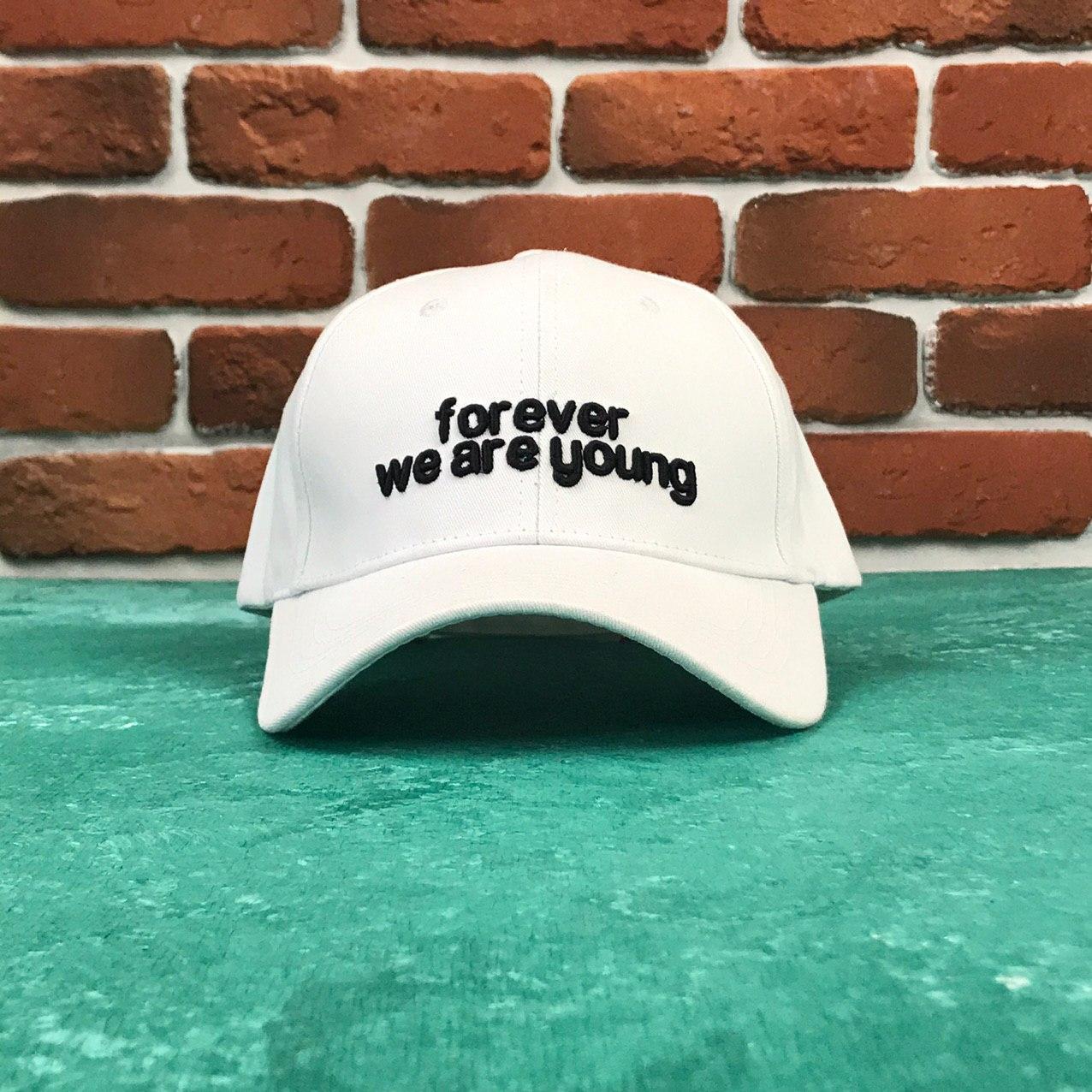 Кепка Бейсболка Мужская Женская City-A с надписью Forever we are young Белая
