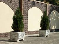 Садовые вазоны из бетона