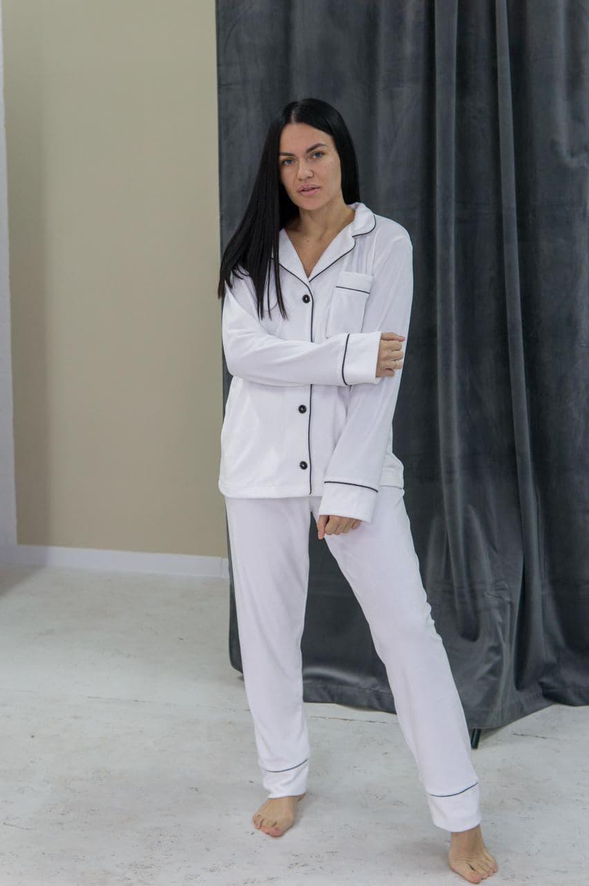 Женская пижама штанами теплая белого цвета V.Velika