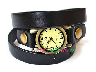 Годинник на ремені, чорний