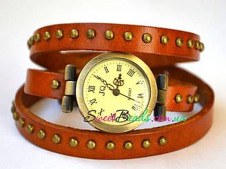 Часы на ремне с заклепками, рыжий