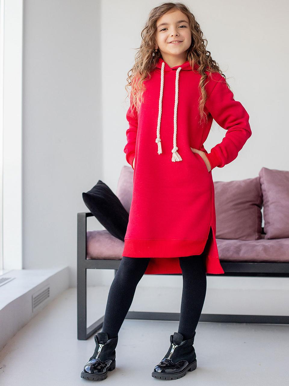 Теплое красное платье для девочки прямого кроя 128