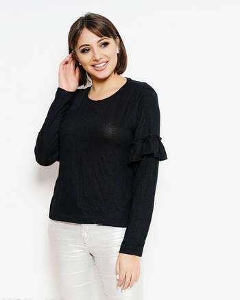 Черный трикотажный свитер женский с рюшами на рукавах