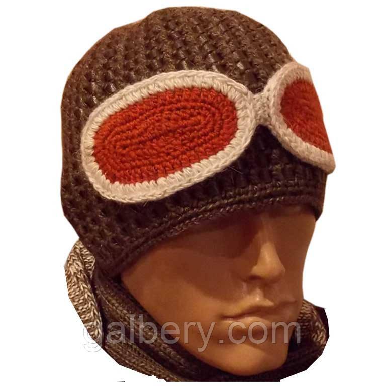 Мужская вязаная шапка на подкладке с бортиком c элементами кожи, цвета какао.