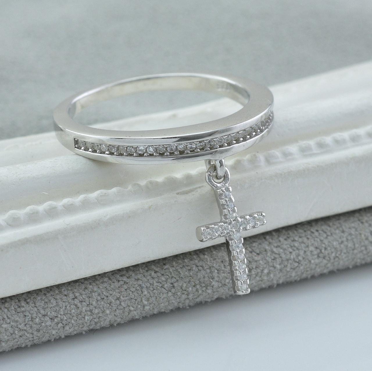 Серебряное кольцо размер 20 вставка белые фианиты вес 2.6 г