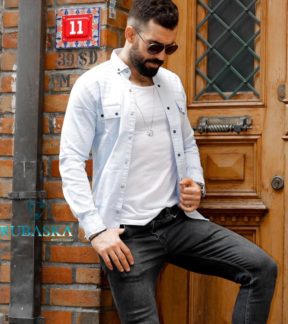 Мужская джинсовая рубашка на кнопках