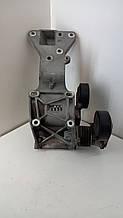 Кронштейн генератора Volvo C30 C70 2.5 T 2008 гг 30750940