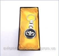 Брелок для ключей  Daewoo  металл/черный в коробке   3250