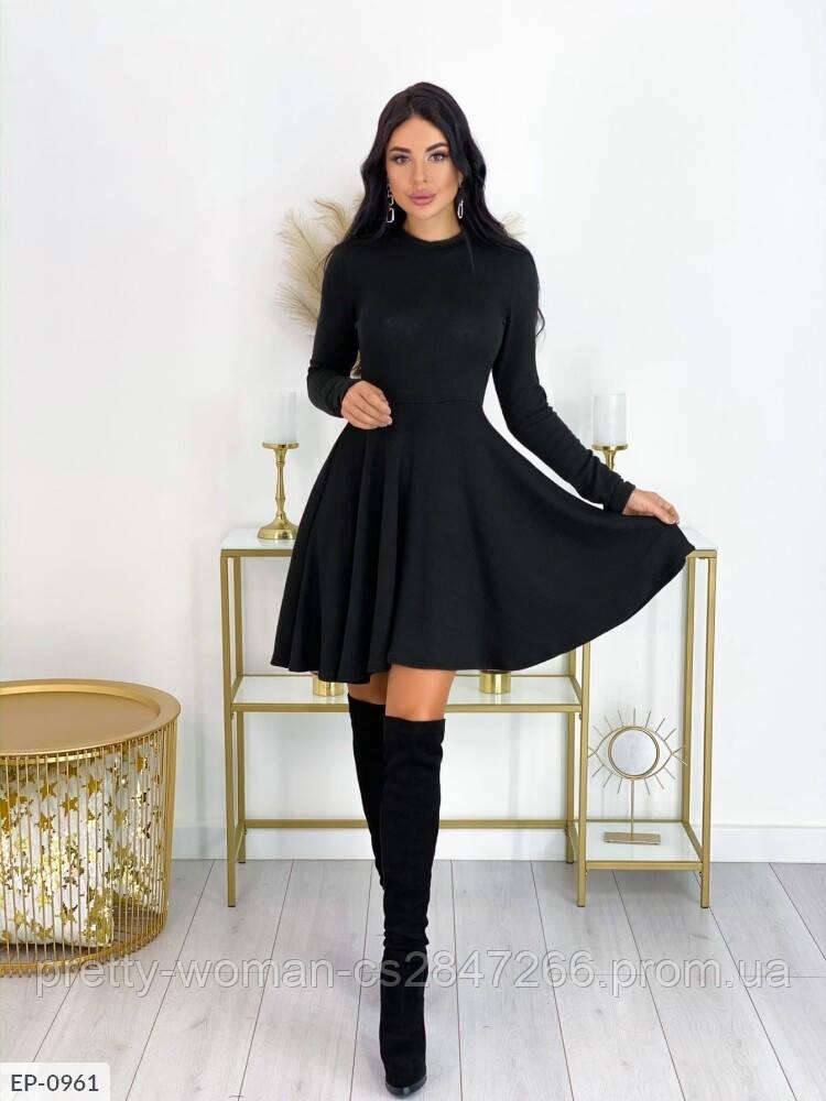 Свободное платье цвет черный