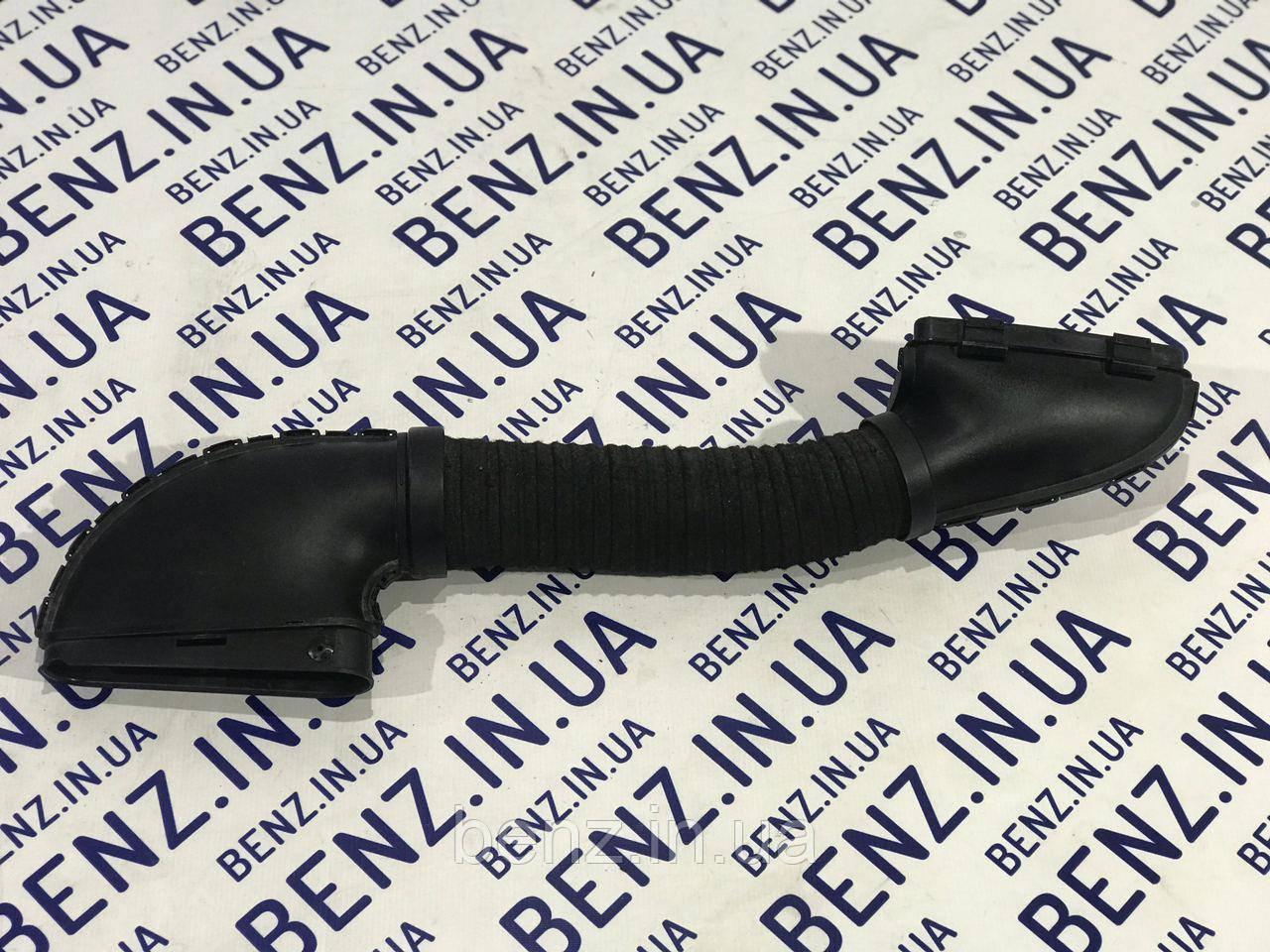 Впускний патрубок праворуч W204/W212 A2710900582