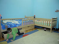 Двоярусне ліжко трансформер.