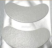 Увлажняющие подушки для нижних ресниц с ухаживающими компонентами.