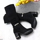 Элегантные высокие черные замшевые женские сапоги с декором на удобном каблуке, фото 8
