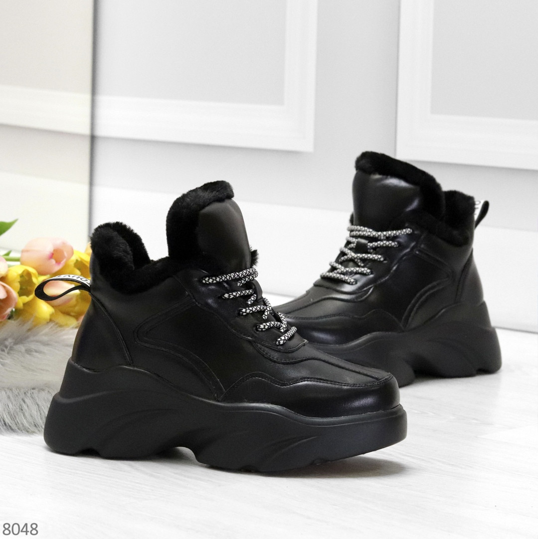 Крутые зимние черные женские высокие кроссовки сникерсы на шнуровке