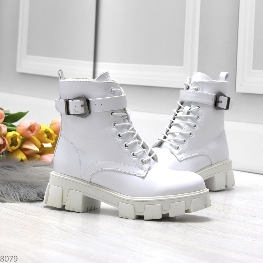 Трендовые высокие белые женские зимние ботинки на молнии + шнуровка