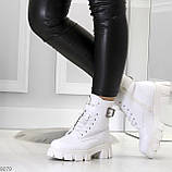 Трендовые высокие белые женские зимние ботинки на молнии + шнуровка, фото 3