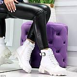 Трендовые высокие белые женские зимние ботинки на молнии + шнуровка, фото 6