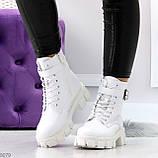 Трендовые высокие белые женские зимние ботинки на молнии + шнуровка, фото 8