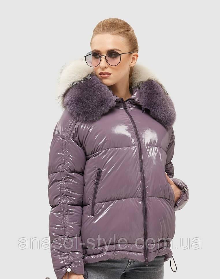 Модная зимняя куртка пуховик короткая из лаковой плащевки дутая фиолетовый