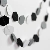 Гирлянда бумажная Соты 10 см Серо-черно-белая 5 метров