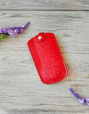 Кожаная ключница красная женская карманная для ключей с тиснением восточные узоры глянцевая кожа, фото 2