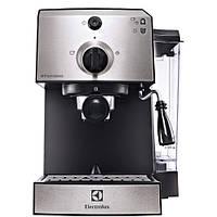 Рожковая кофеварка эспрессо Electrolux EEA 111, фото 1