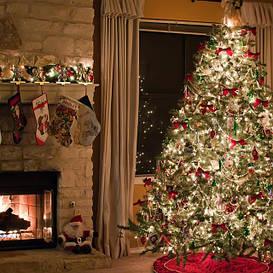 Новогодние искусственные елки, сосны
