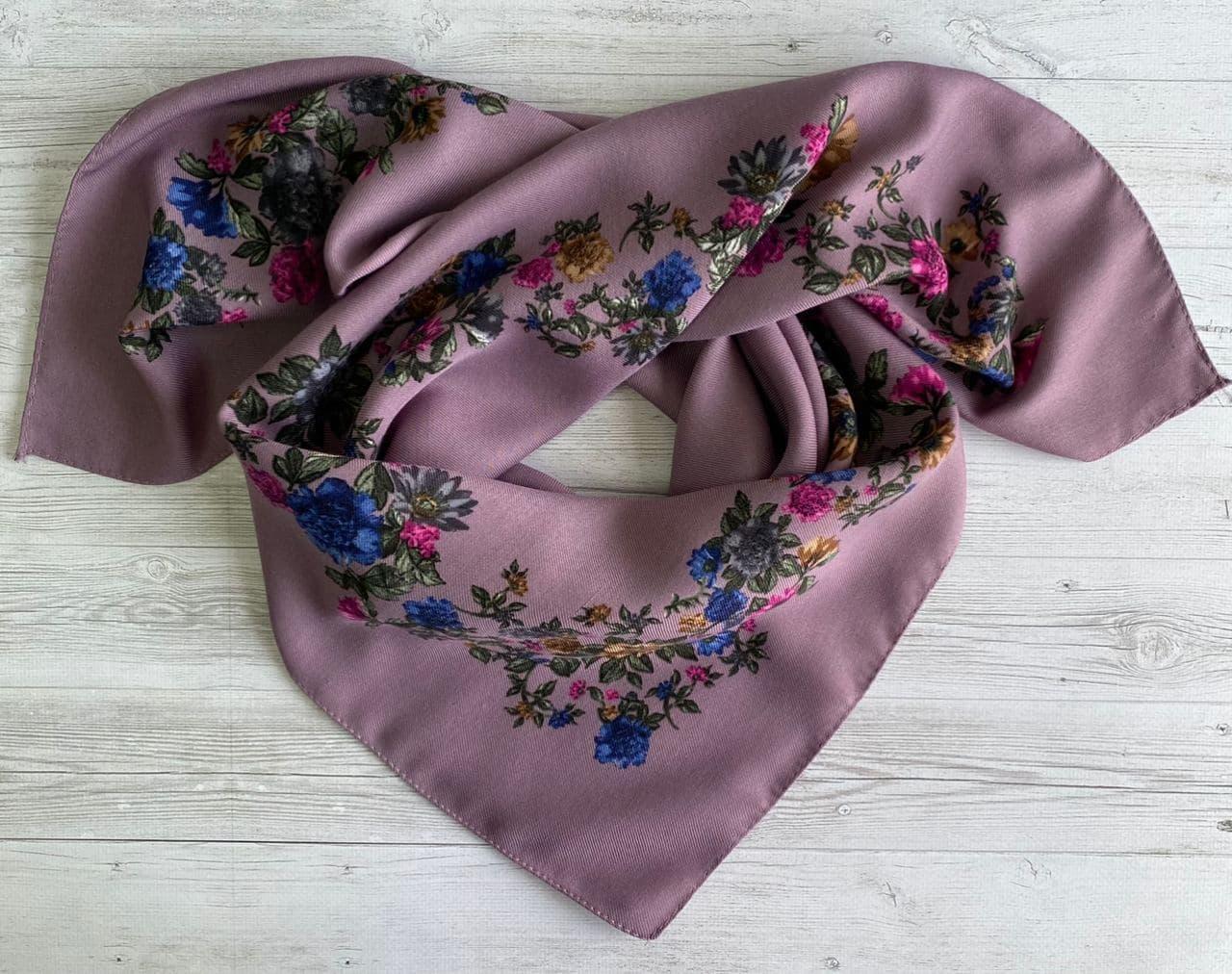 Женский шерстяной платок Цветочный Веночек