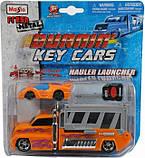 Набор игровой - трейлер 13см + авто 7,5см Burnin Key Car Launcher Hauler блистер MAISTO, фото 2
