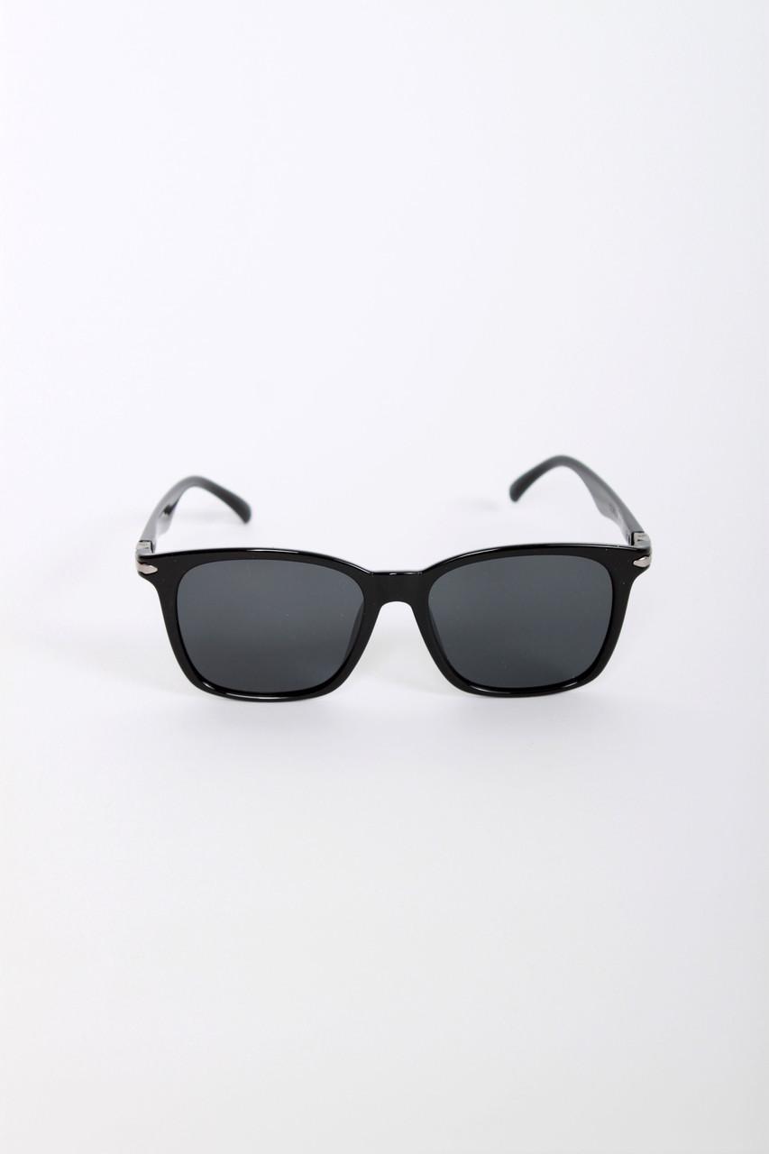 Мужские очки FAMO С поляризацией 8091 черные Общая ширина 15(см)/ Высота линзы 4.6(см)/ Ширина линзы 5.3(см)