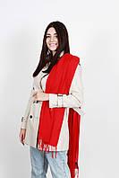 Эффектный красный палантин на пальто, куртку, шубу, плащ