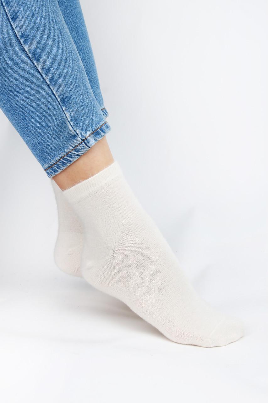 Женские носки FAMO Носочки Тонг молочные 36-40 (Shk212)