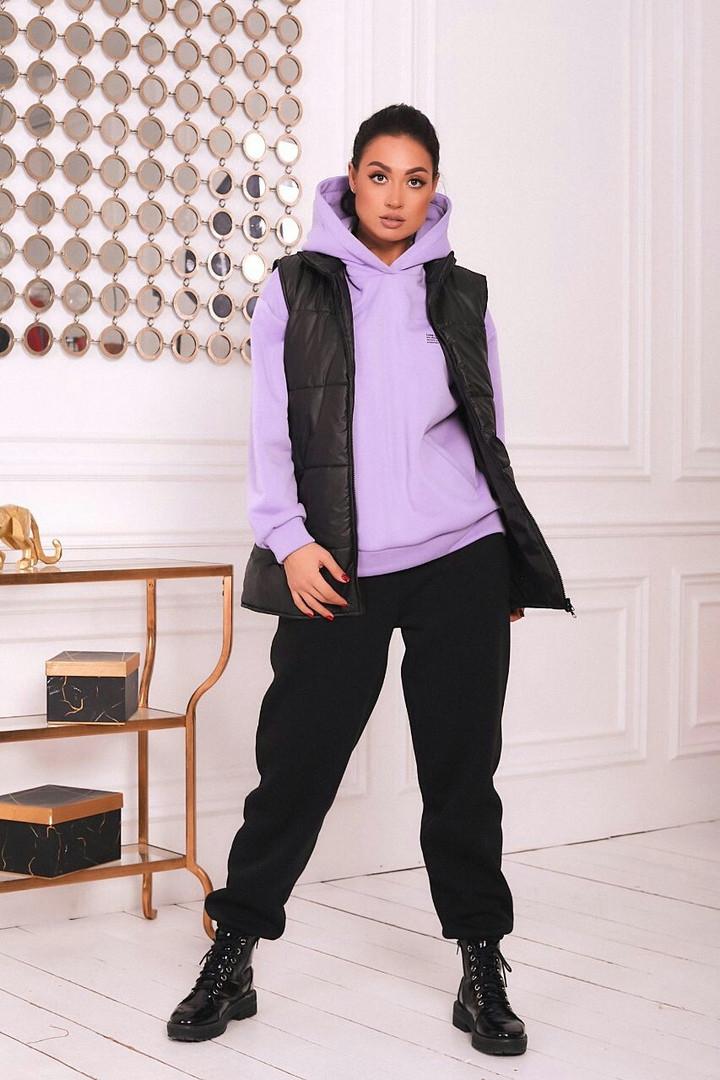 Теплый спортивный костюм тройка на флисе со стеганной жилеткой большие размеры 50-64 черный/лиловый 54/56