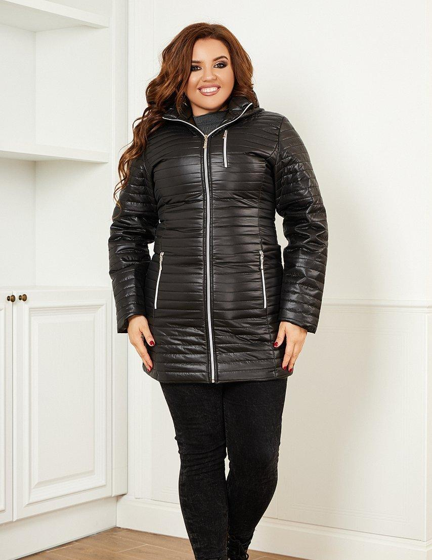 Женская черная стеганная куртка с капюшоном батал